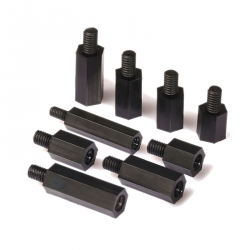 Pilon Hexagonal din Plastic, Negru, M3 de 20 mm cu Cap de 6 mm